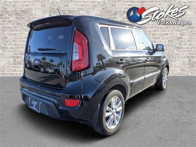 Pre-Owned 2013 Kia Soul Plus FWD 4D Hatchback