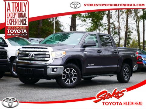 Certified Pre-Owned 2017 Toyota Tundra SR5 4WD 4D CrewMax